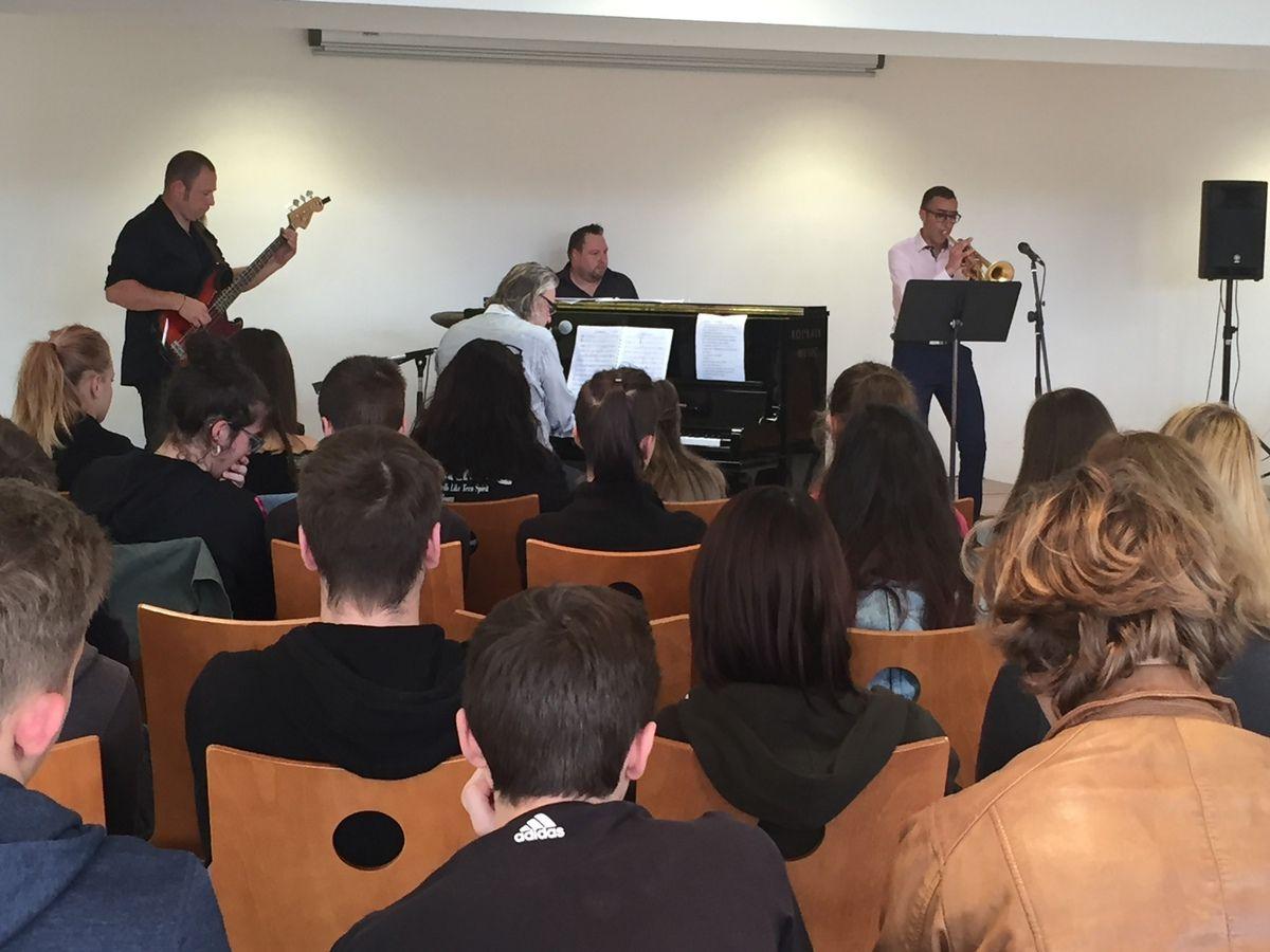 Concert-conférence autour du jazz au lycée Fernand Darchicourt d'Hénin-Beaumont