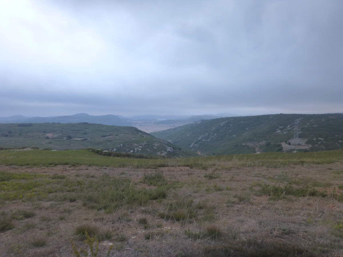 Sur la ligne de crête du Parc Éolien de NÉVIAN