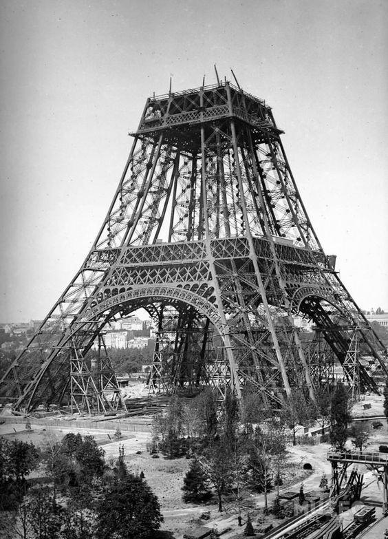 Construction de la Tour, juillet 1888