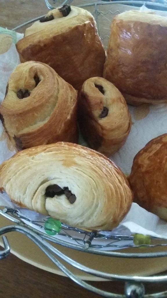 Voici des petits pains au chocolat (ou chocolatine) qui satisferont je l'espère , petits et grands!