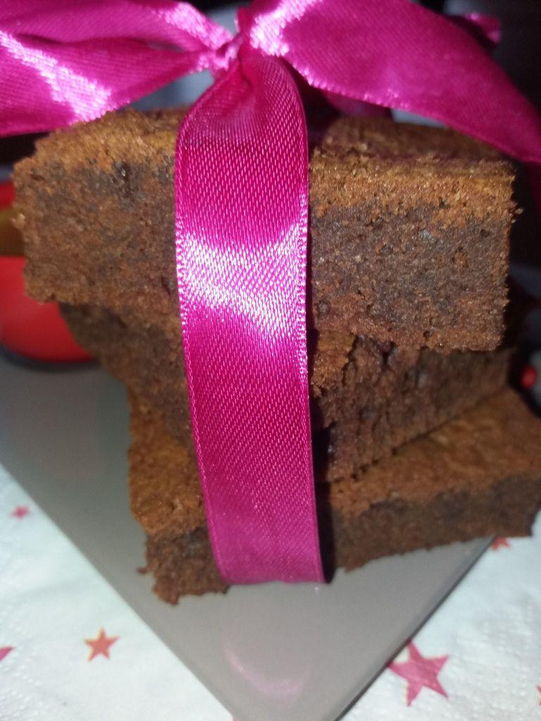 Un délicieux brownies à partager et déguster autour d'un goûter .
