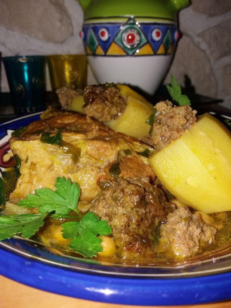 Un plat riche en saveurs pouvant se préparer avec différents légumes . Aujourd'hui j'ai choisi la version pommes de terre ...