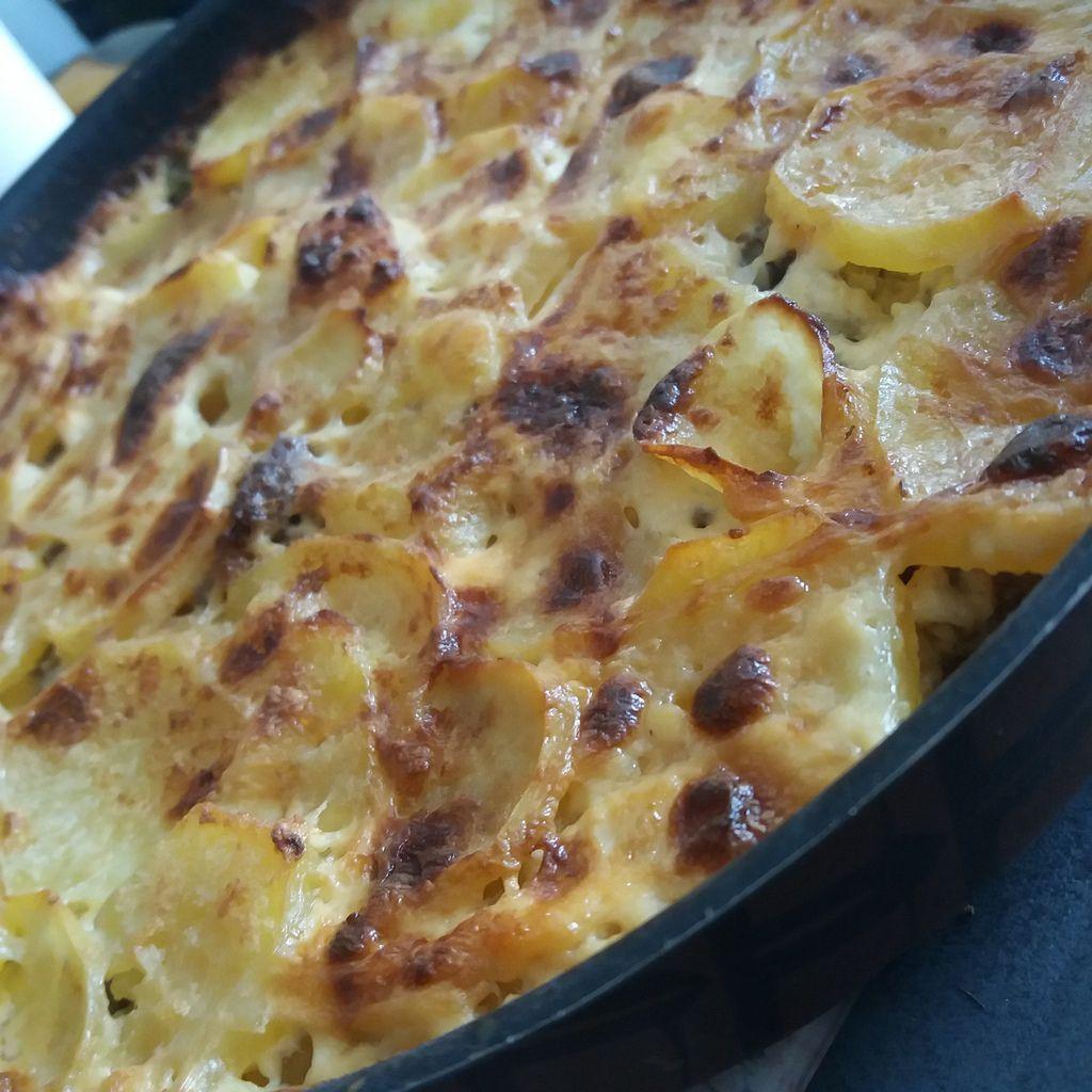GRATIN de pommes de terre à la viande hachée