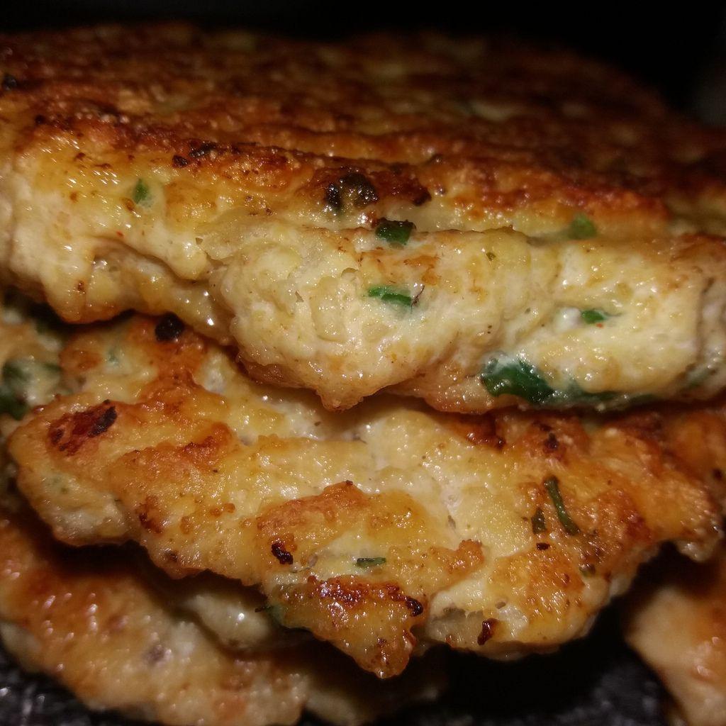 Recette de pains burger ici /http://12345petitsmomentsdegourmandises.over-blog.com/2018/11/pains-a-hamburgers-extra-moelleux.html