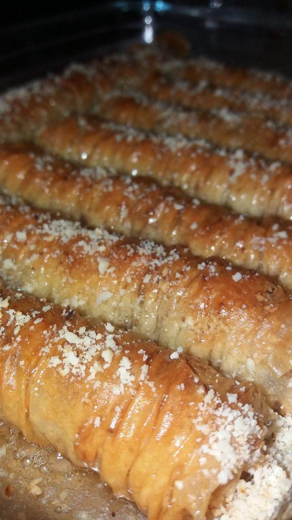 BAKLAVAS rolls ( amandes et cacahuètes )