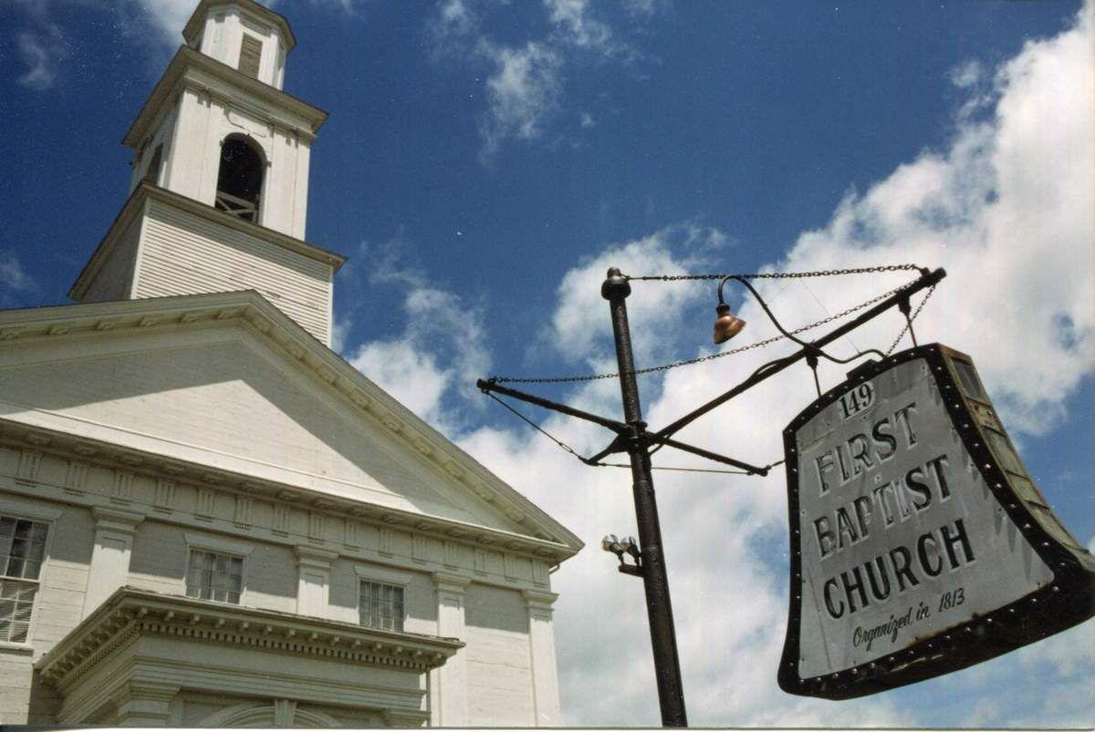 Maison du syndicat des pêcheurs / Rues de la vieille ville / L'église Seamen's Bethel qui inspira Malville pour Moby Dick / Le port / Le temple maçonnique / Quelques-unes des multiples églises de la ville.