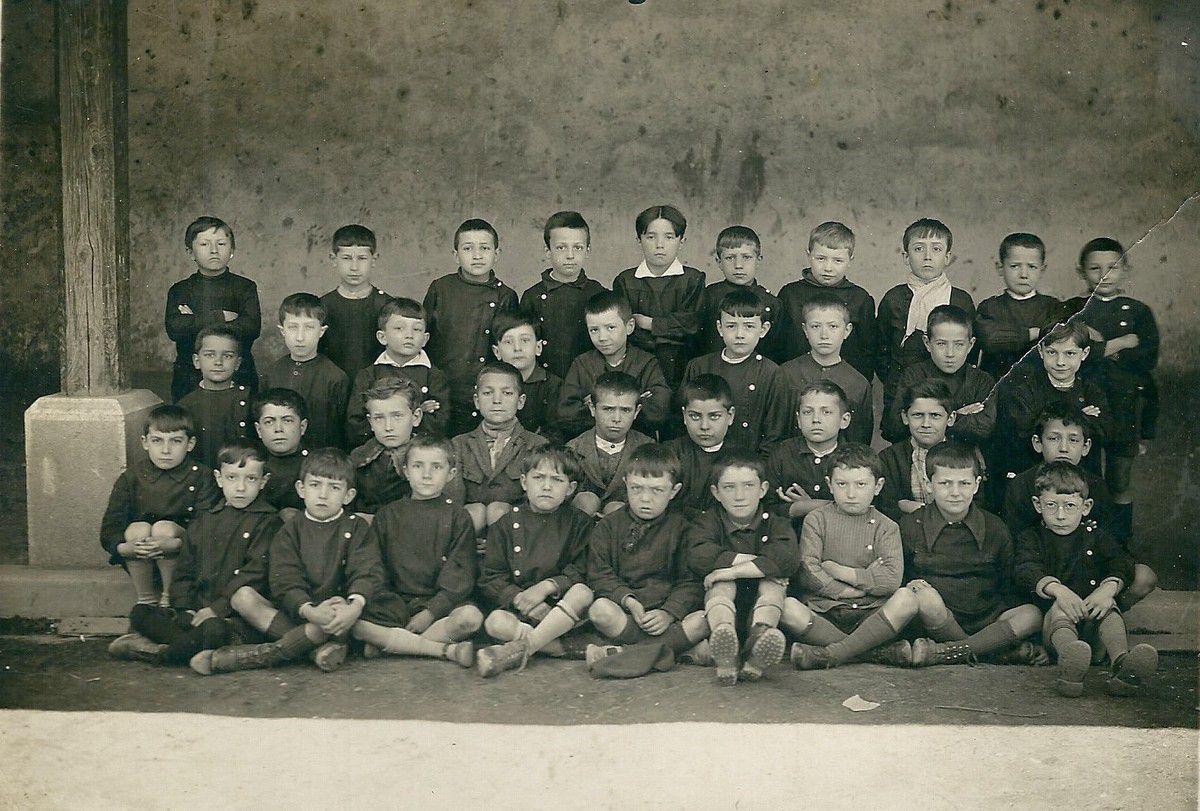 Quillan photo de classe vers 1927