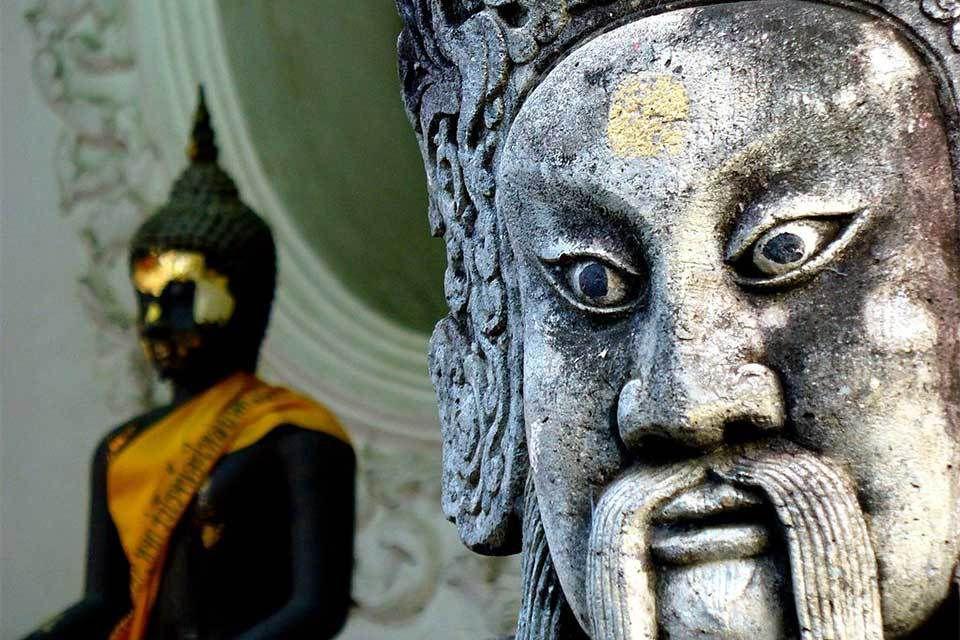 Détail du stupa Phra Pathom à Nakhon Pathom