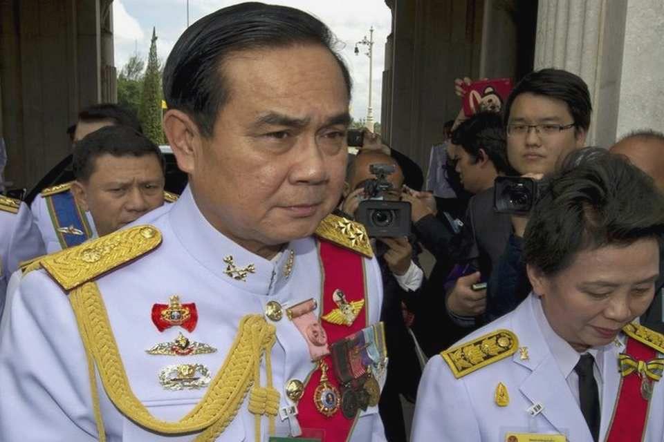 Le général Phrayut leader du Palang Pracha Rath