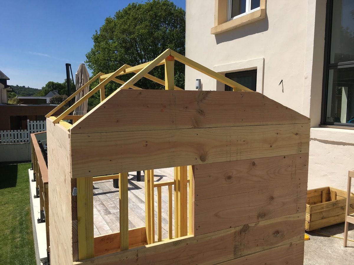 construire une cabane en bois pour vos enfants bric 39 olive. Black Bedroom Furniture Sets. Home Design Ideas