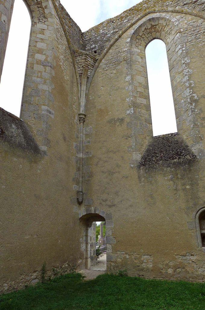 transept menant au cimetière