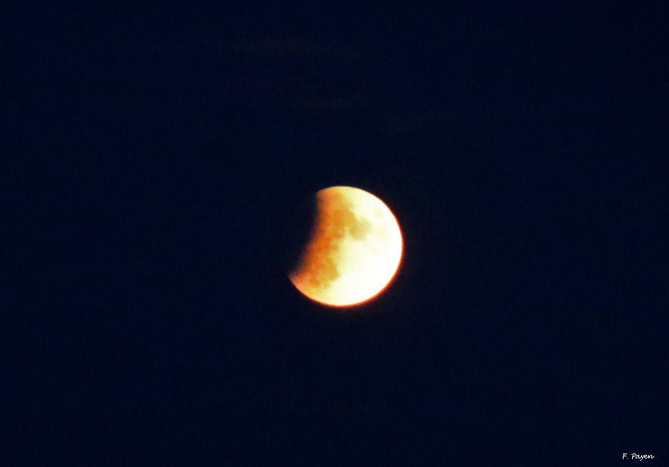 Eclipse lunaire partielle