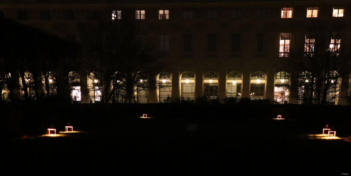 Le Palais-Royal s'illumine