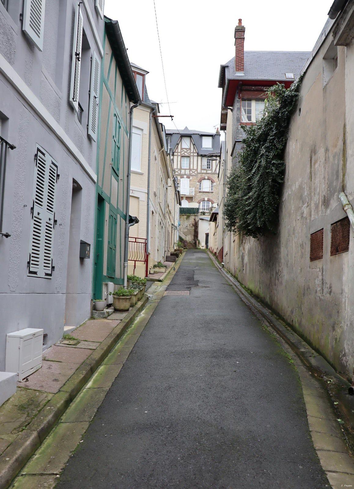 Trouville-sur-Mer... Honfleur...