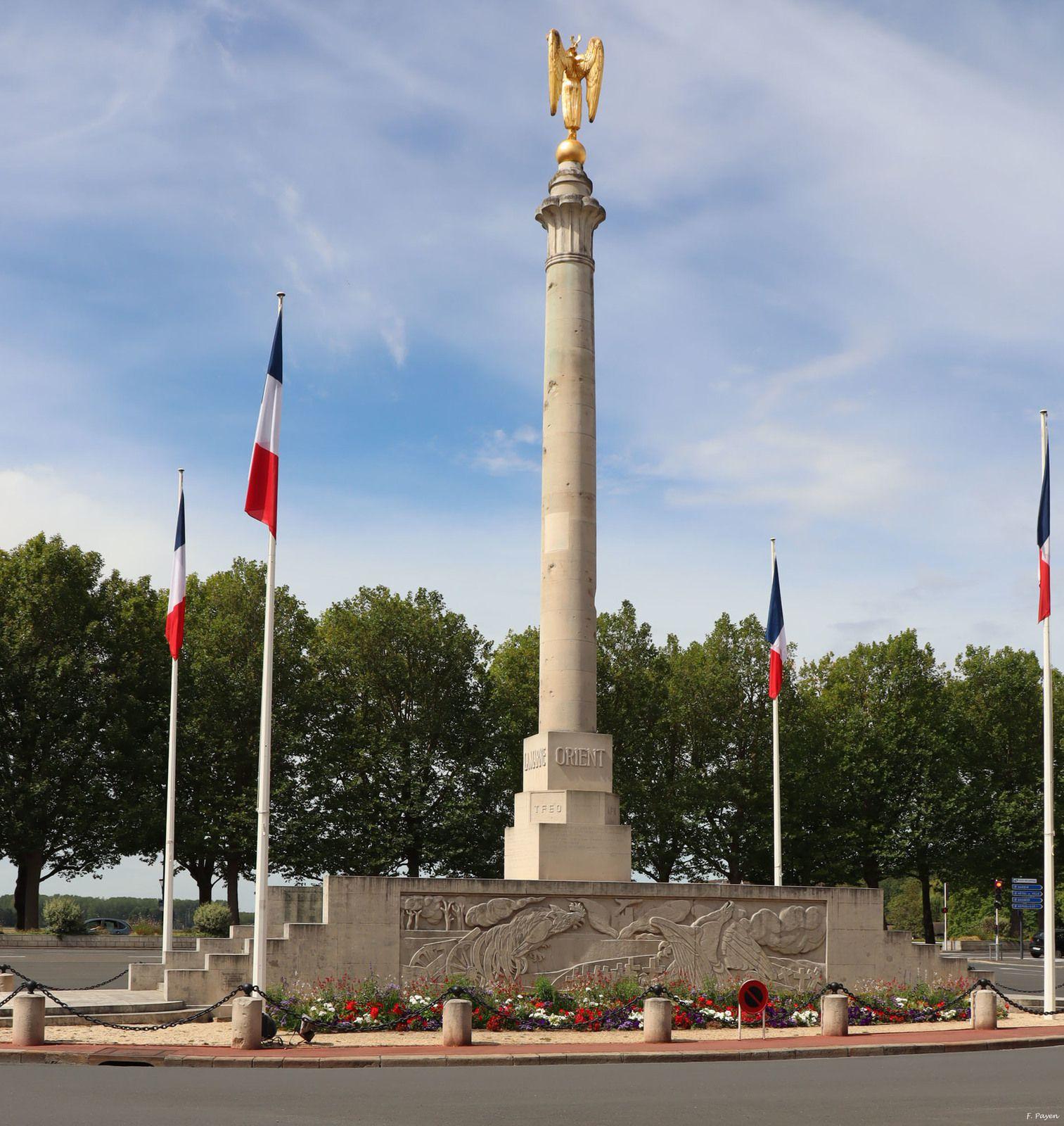 monument aux morts, place Foch, Caen