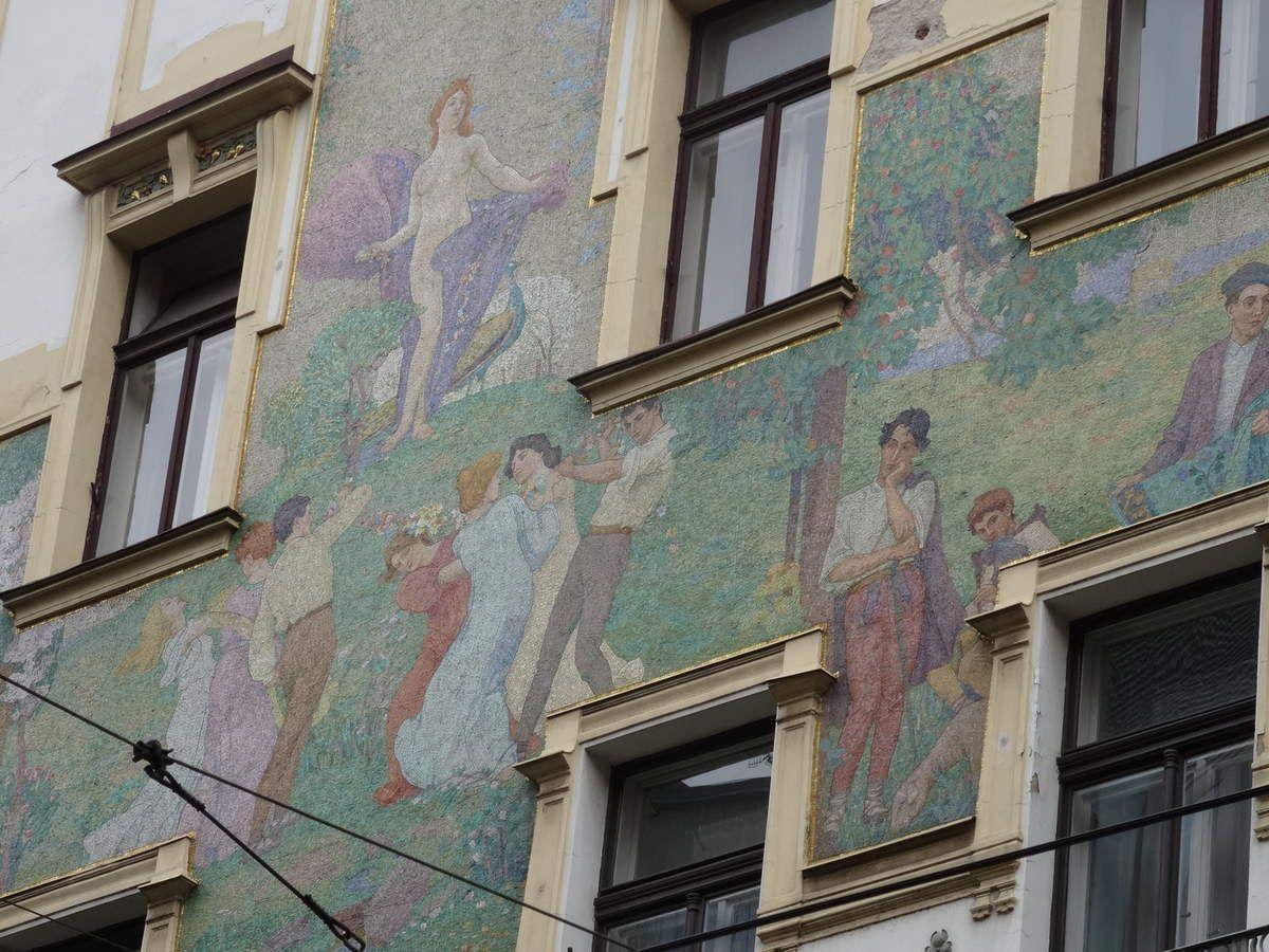 PRAGUE une capitale à la fois culturelle et romantique au bord de la Vltava
