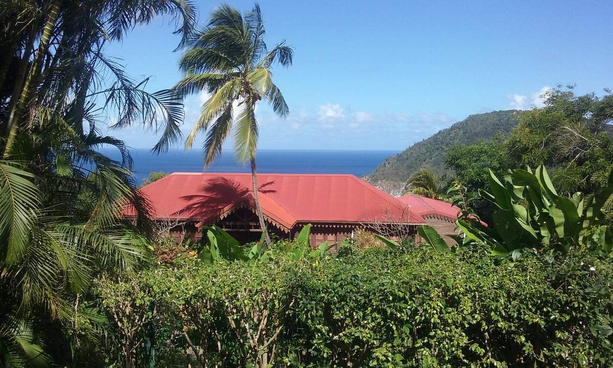 GUADELOUPE COTE MER : DESHAIES son jardin remarquable et ses plages