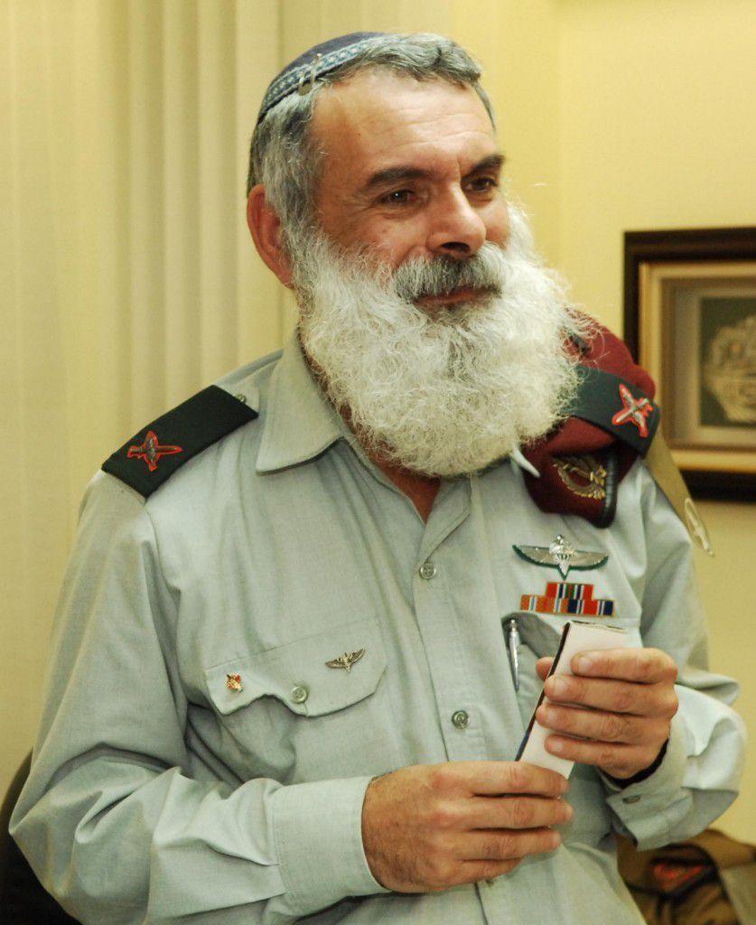 Rencontre avec des Israéliens extraordinaires : Le grand rabbin de Tsahal Avi'haï Rontski z.l.