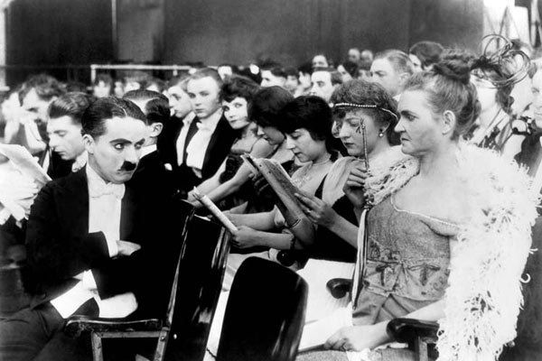 Charlot au music-hall (A Night in the Show)
