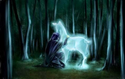 Le patronus de Rogue, bouclier de lumière repoussant les forces du mal, représente Lily sous sa forme animale qui est une biche.
