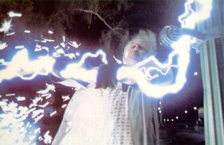 Prométhée est un Titan (fils des Dieux primordiaux, Gaïa -la Terre- et Ouranos -le Ciel-), qui se révèle protecteur des hommes, leur fait don du feu dérobé aux dieux et leur enseigne sciences et arts, transgressant une interdiction de Zeus. Pour le châtier, il l'enchaîne sur un mont caucasien, où un aigle lui dévore son foie qui repousse sans cesse. Les différentes versions du mythe soit accentuent l'orgueil de Prométhée soit la tyrannie de Zeus.