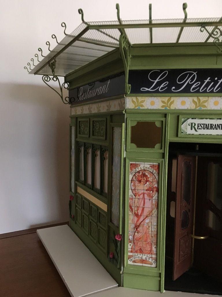 Bistrot art nouveau: l'auvent marquise en fer forgé