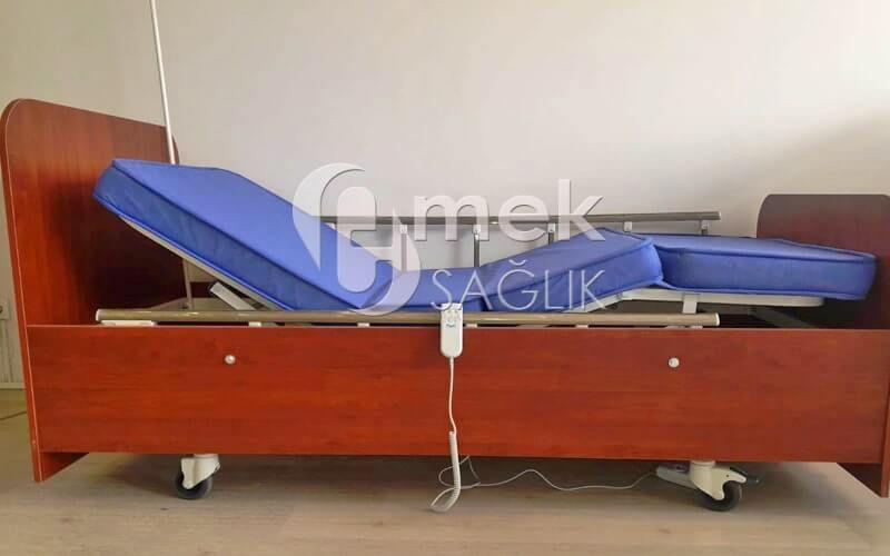 Evlerde de kullanılabilecek ahşap 2 motorlu hasta yatağı