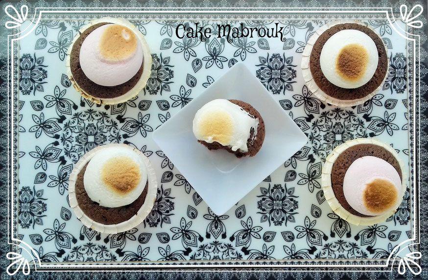 Cupcakes au chocolat et marshmallow guimauve grillée