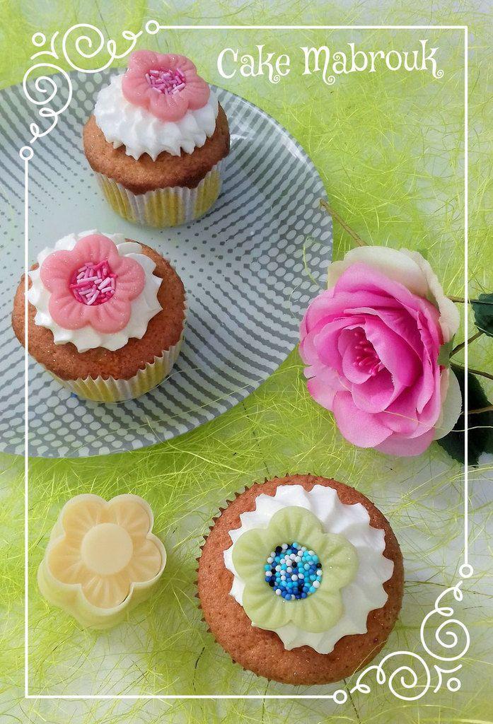 Cupcakes ganache chantilly mascarpone petite fleur en pâte d'amande