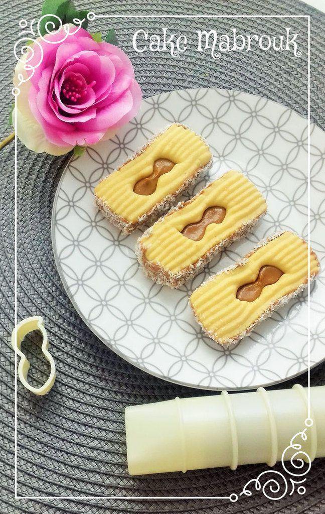 Sablés à la presse à biscuits au beurre de cacahuète et noix de coco
