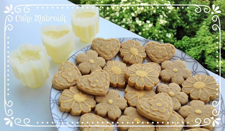Mix de sablés au café décors en or