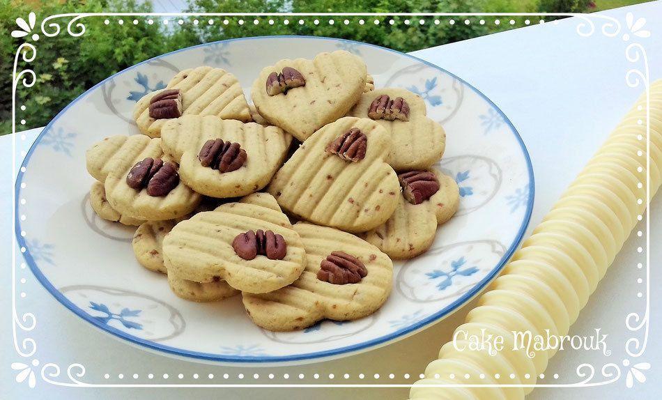 Biscuits coeurs sucre de noix de coco et noix de pécan
