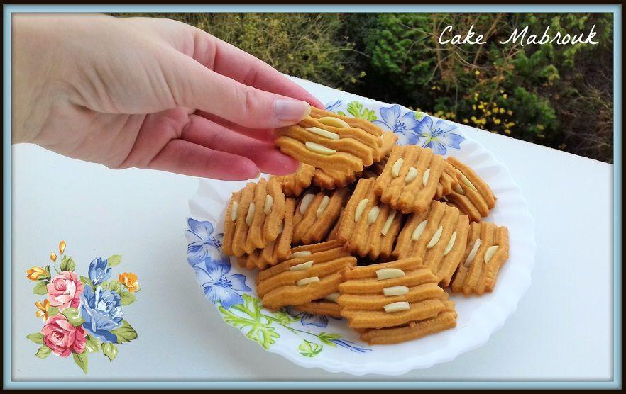 Sablés caramel et amandes à la presse à biscuits