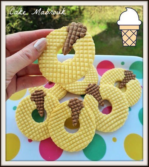 Biscuits vanille et son cornet de glace au chocolat