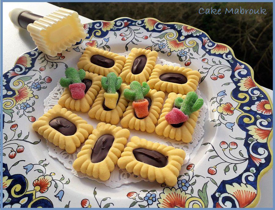 Tartelettes rectangles au chocolat et bonbons cactus