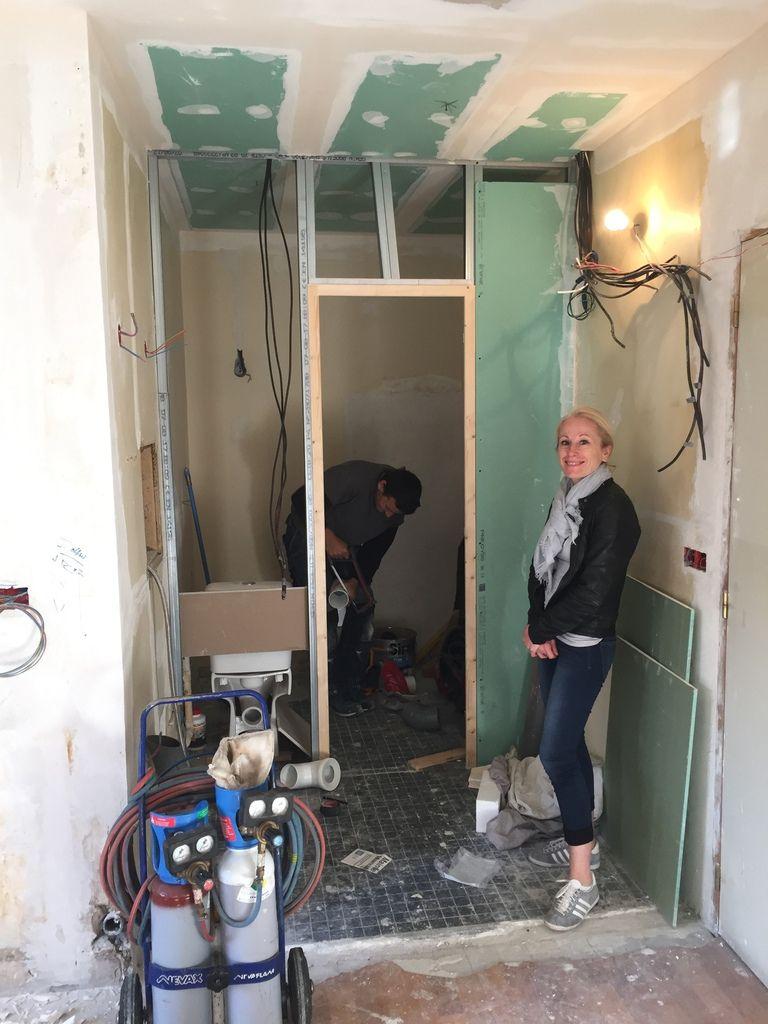 Studio, travaux: cuisine et salle de douche