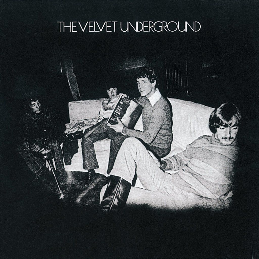 Translation in French of Pale Blue Eyes. The album cover : The Velvet Underground in 1969.