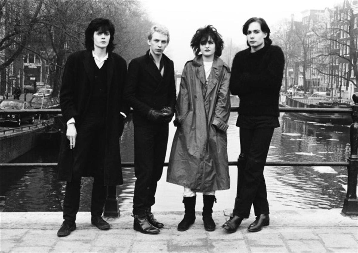 Siouxsie -Cities In Dust translated in French