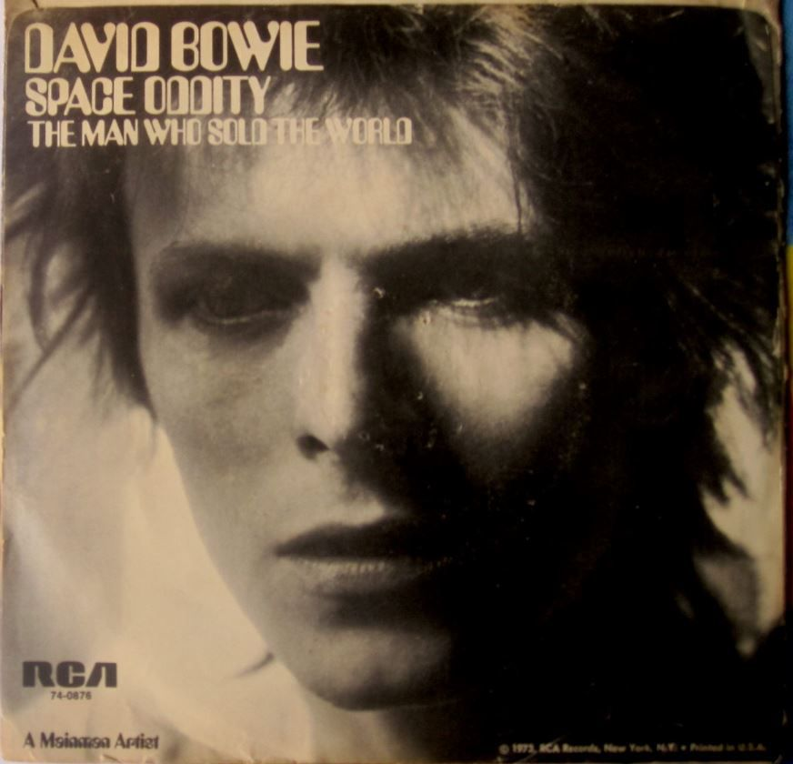 David Bowie - The Man Who Sold The World : traduction en français des paroles, histoire, contexte, interprétation, versions Bowie différentes les unes des autres, et nombreuses reprises également variées. All the article is in both ENGLISH and French.