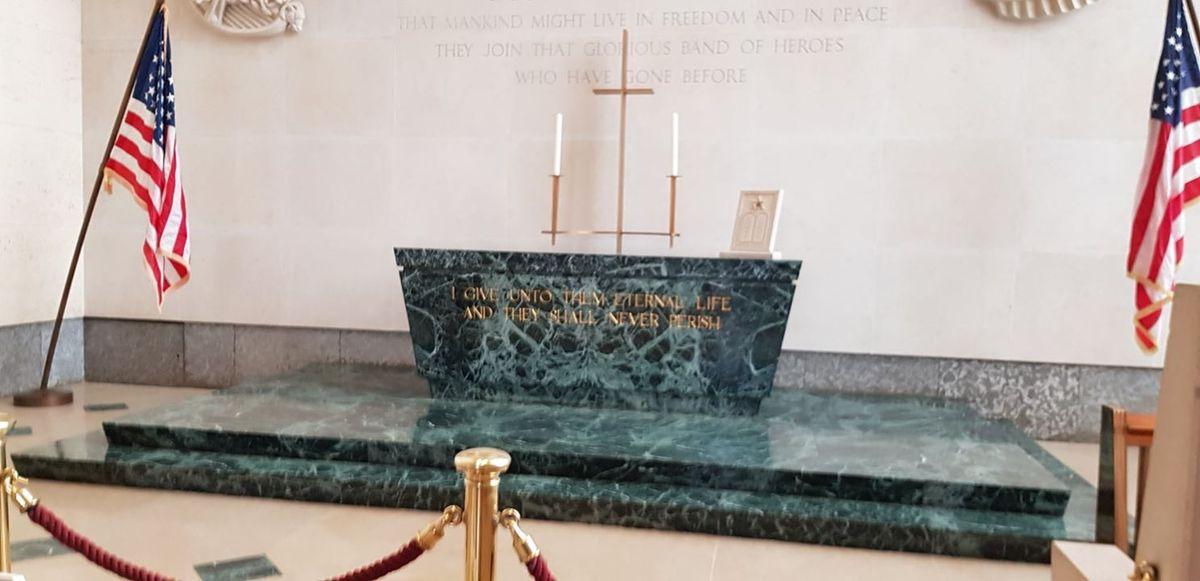 Cérémonie au cimetière militaire de St Avold 18/ 11 / 2019
