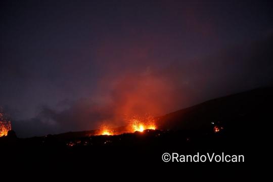 Photo De ©Tunnels de lave Réunion : Rando-Volcan  Photo Non Libre De Droit