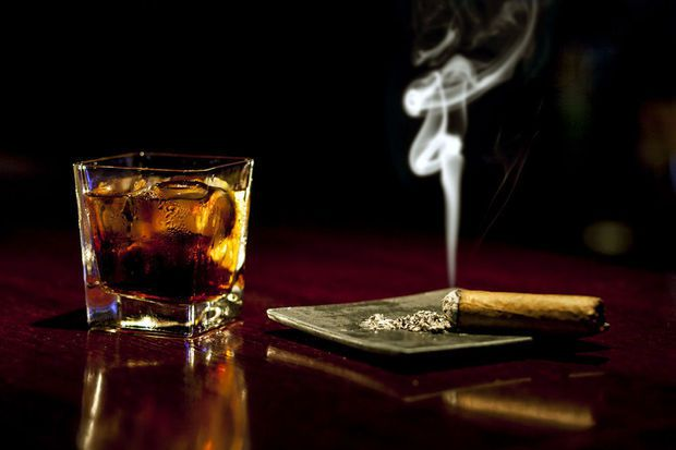 L'homéopathie, une alternative pour un sevrage tabagique et éviter la gueule de bois