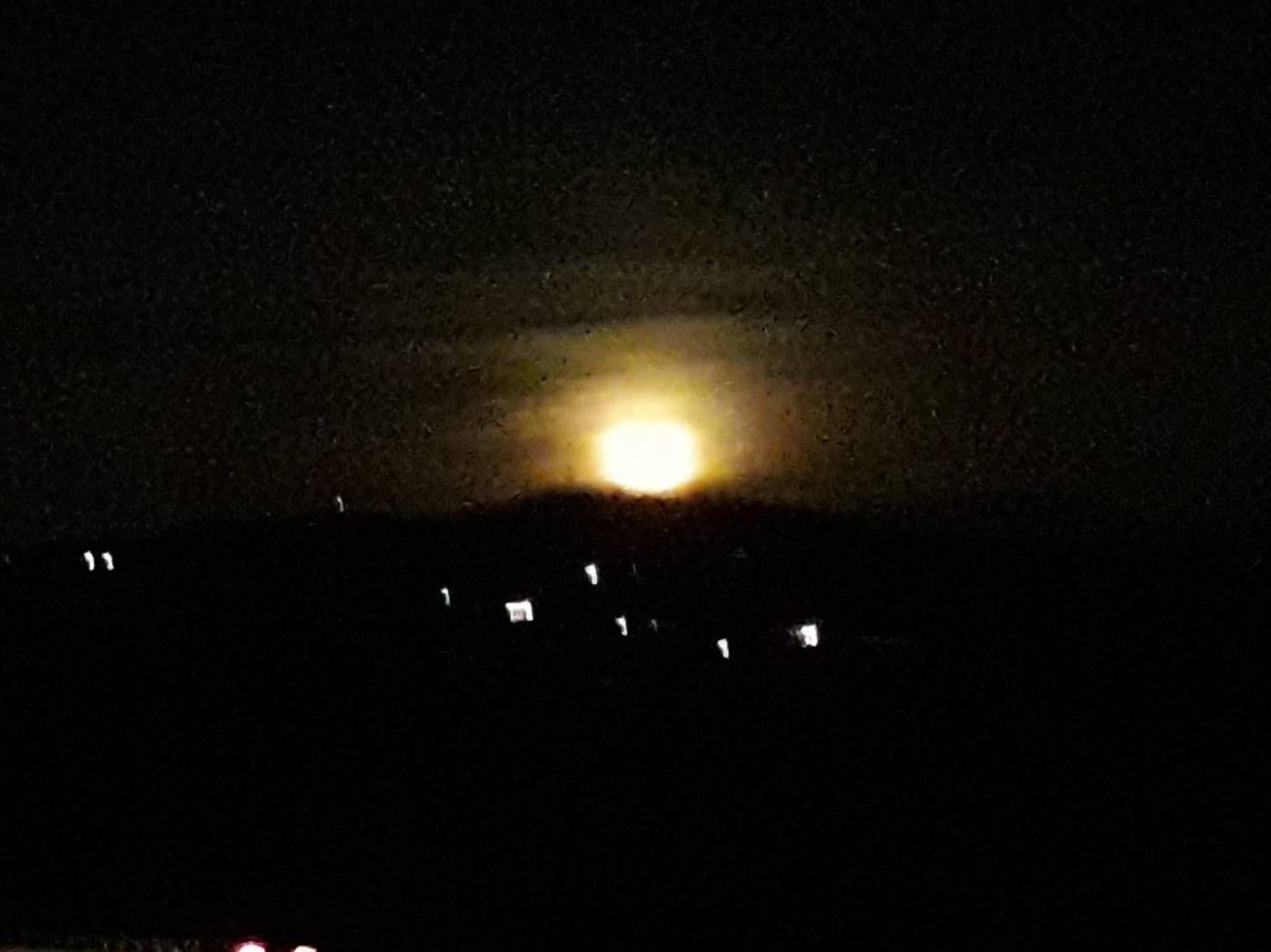 Pleine lune à la campagne