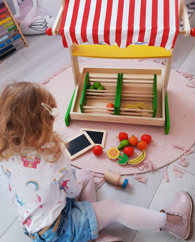 Stand de fruits, jeu en bois, everearth, enfant