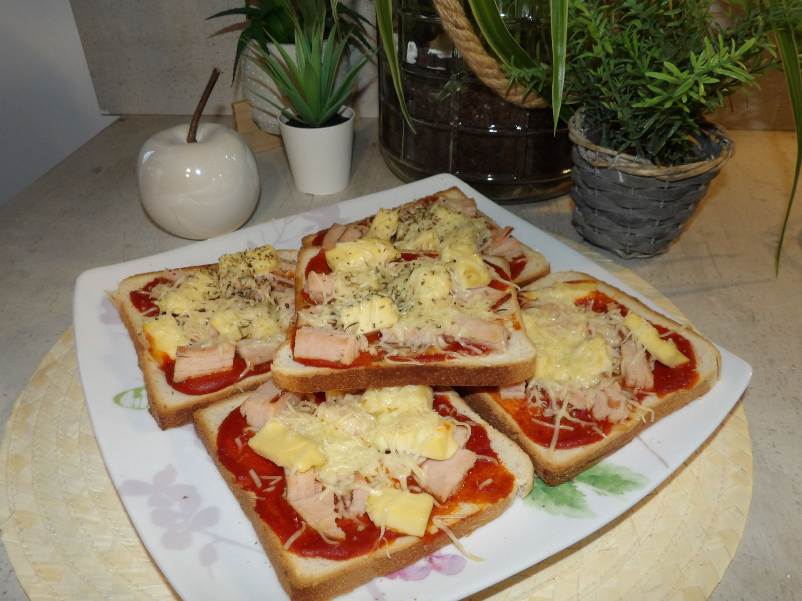 pizzas pain de mie, recette facile et rapide