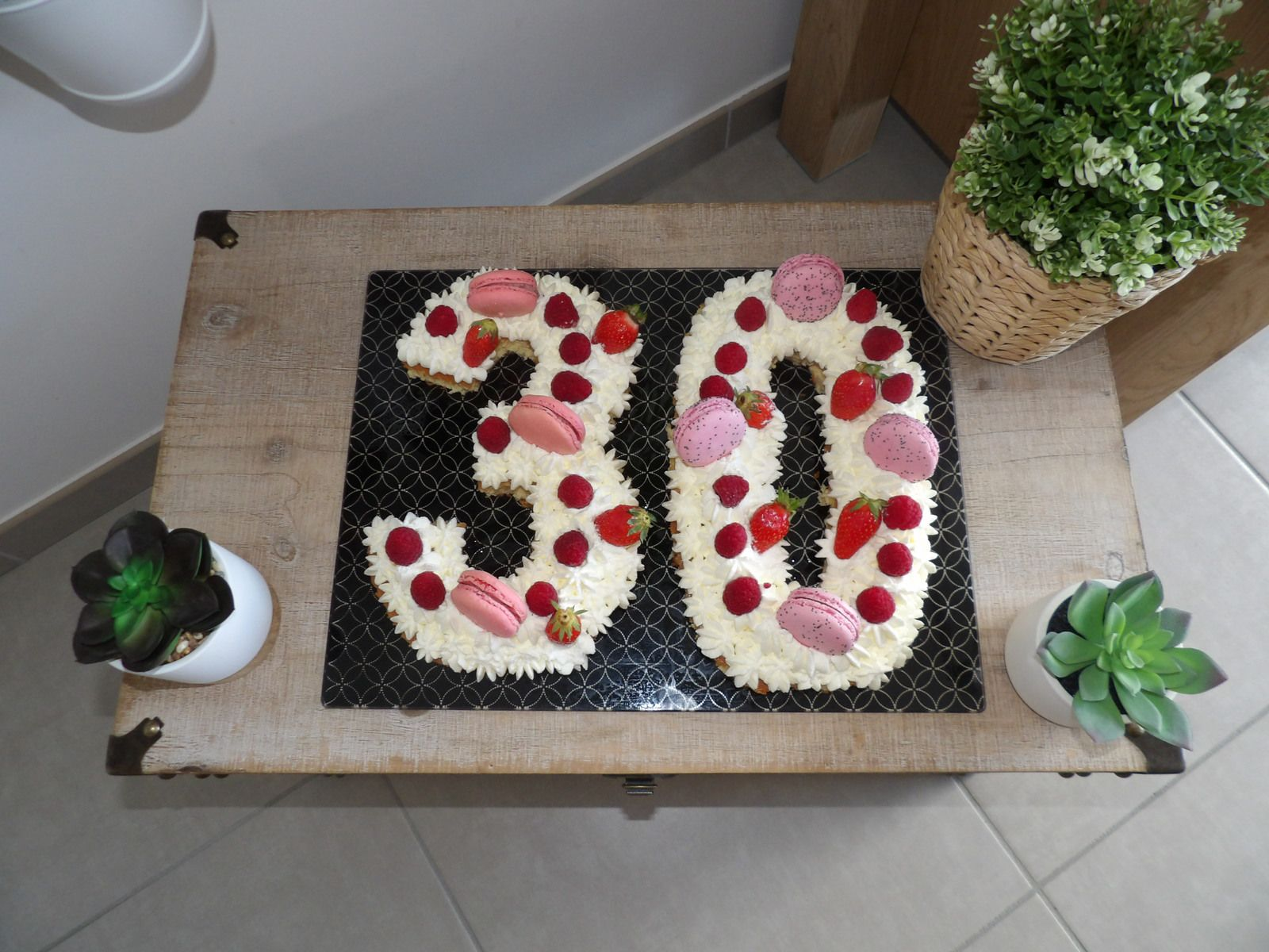 number cake, recette facile, framboises, macarons