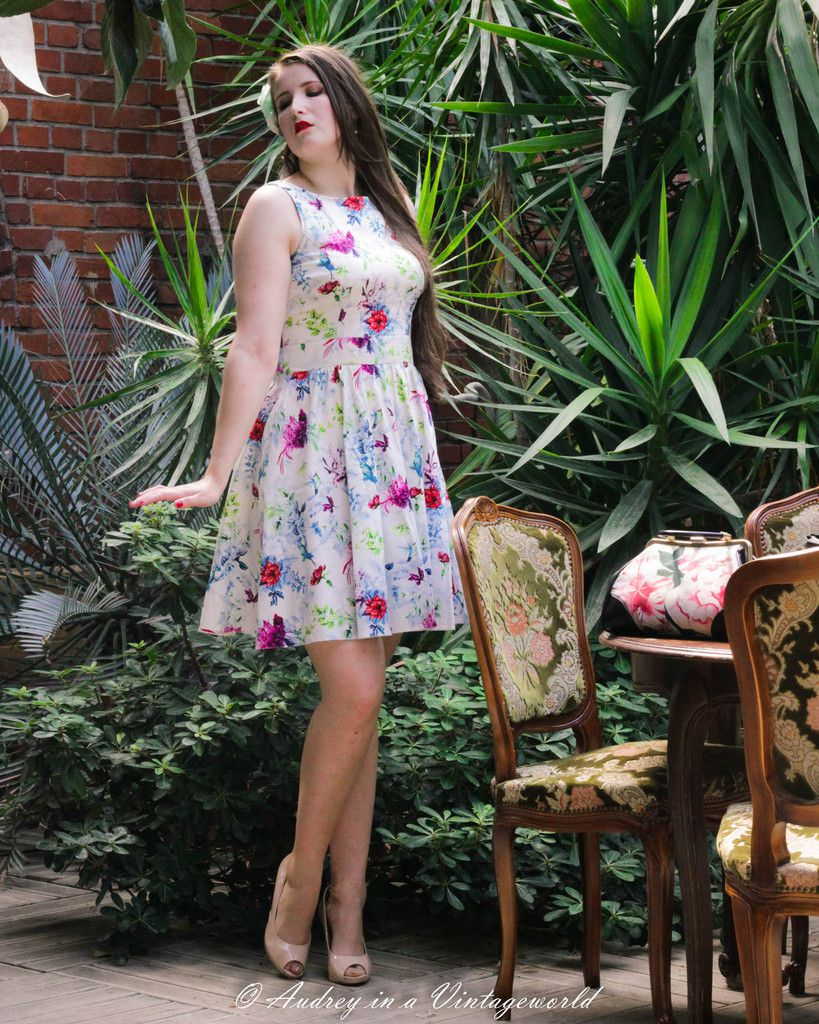 hummingbird_ombre_tea_dress_ladyvlondon_audrey_vintageworld