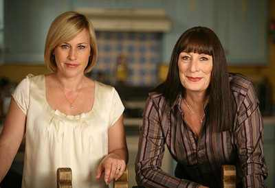 medium-anjelica-houston-dubois-serie-nbc-psycho-criminologie.com
