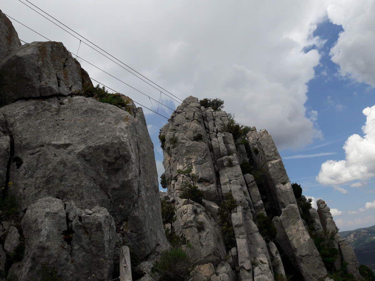 Via Ferrata Buis les Baronnies - Rocher Saint Julien-superbe Via avec Niveau D sur toute la longueur des 3 Via
