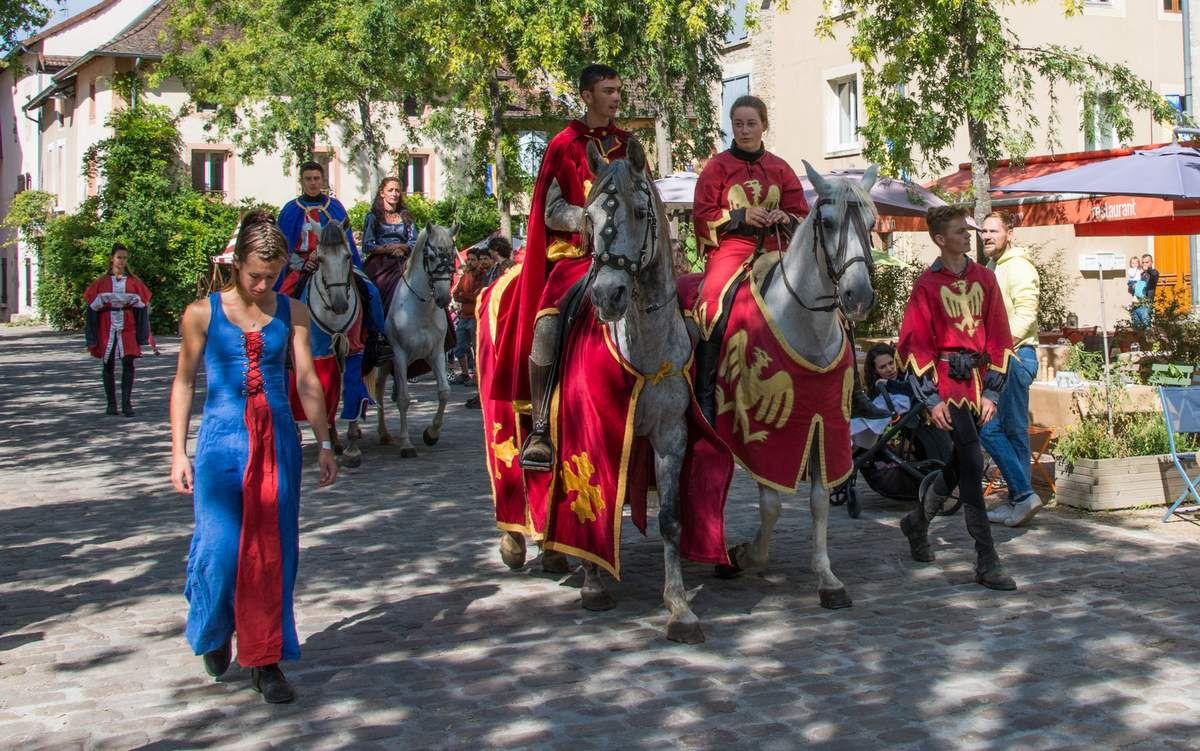 Défilé de rue Médiévales de Crémieu